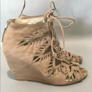 Dolce Vita Wedge Lace Up Sandals Size 8 Lazer Cut